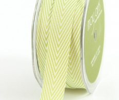 Лента May Arts Twill Chevron Stripe Ribbon Celery Green (848208046914)
