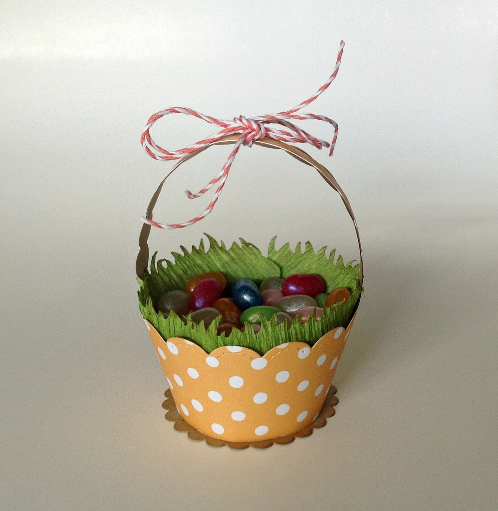 Набор ножей от Lawn Fawn - Stitched Scalloped Cupcake Wrapper